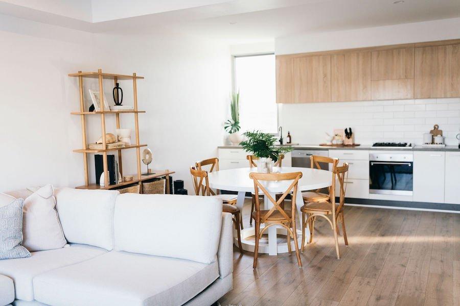 casuarina accommodation kitchen and dining room