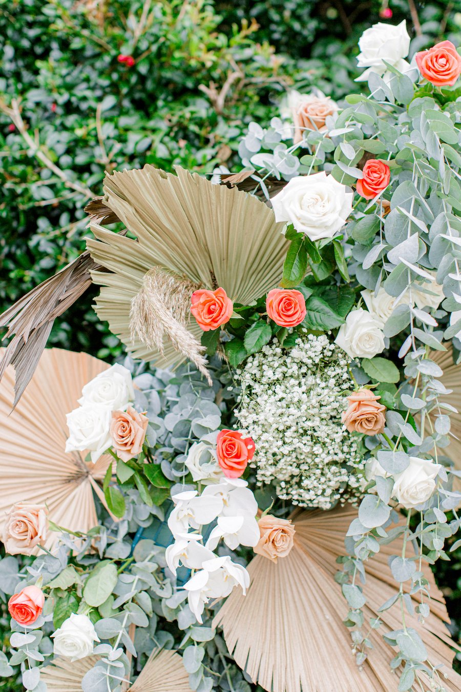 Weddings with flowers and dried foilage